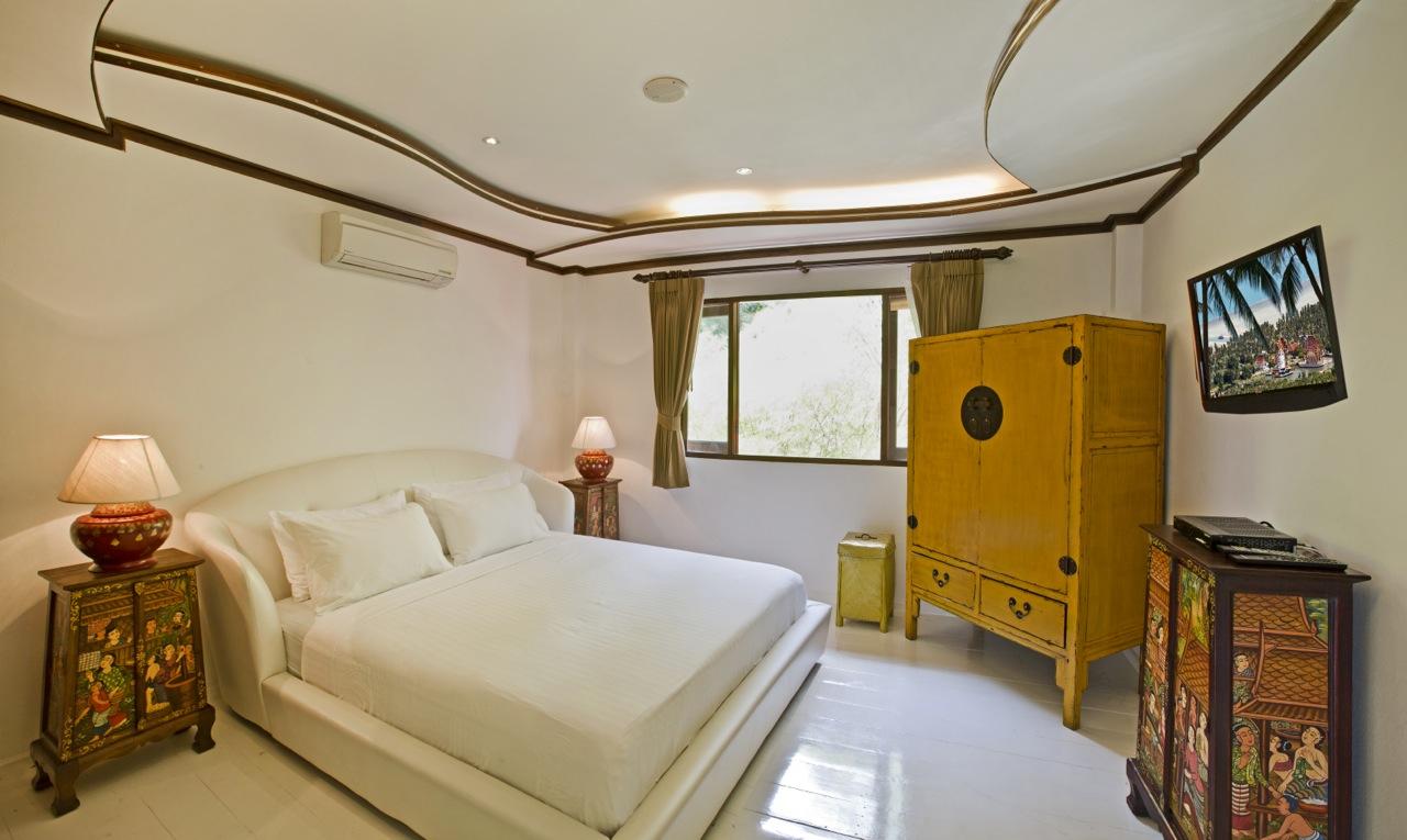 Royal Thai Villa Choeng Mon Beach villa rentals
